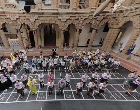 Estudiantes de Química de la US celebran un 'desfile de los elementos' en la Casa de la Ciencia de Sevilla